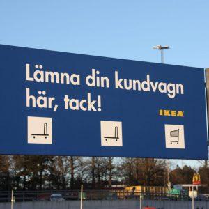 Skylt på IKEA-parkering